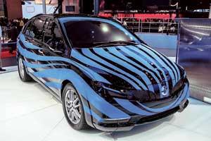 Прошлогодний концепт электрокара Denza вэтом году дебютировал с новым «лицом». Автомобиль проходит финальные тесты иосенью отправится наконвейер.