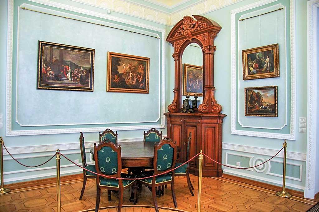 Фото Палацу Розумовського в Батурині