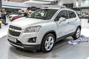 Chevrolet Tracker предлагается с двумя 140-сильными бензиновыми моторами– 1,4-литровым турбированным и1,8-литровым атмосферным.