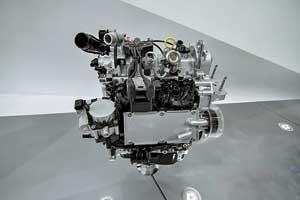 В Шанхае BYD продемонстрировала три бензиновых двигателя 1.2TI, 1.5TI и 2.0TI, все с турбонаддувом и непосредственным впрыском.