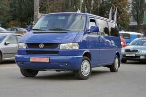 VW Transporter/Caravelle/Multivan четвертого поколения в кузове T4.