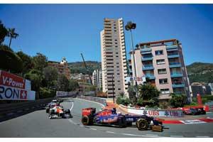 Гонщики Toro Rosso нечасто радуют своих болельщиков финишами в очковой зоне, но в Монако удача была на стороне Жана-Эрика Верня – молодой пилот стал восьмым в самой сложной гонке чемпионата.
