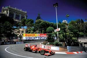 Фернандо Алонсо в Монако словно подменили: если бы неего фамилия, общественность увидела бы в нем молодого инеочень перспективного гонщика.