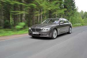BMW 750Li xDrive 4,4л (450 л. с.)