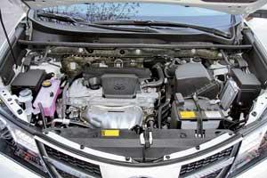 Самый мощный бензиновый мотор для Toyota RAV4 имеет объем 2,5литра и развивает 180 л. с.