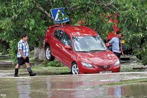 Может ли страховка защитить автомобиль от последствий стихии