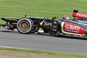 Британская команда Lotus провела очередной неудачный Гран-при: Кими Райкконен мог отыграться, но тактическая ошибка лишила его шансов выйти на второе место в соревнованиях – вконце гонки он пропускал соперников.