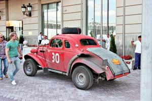 Британцы Ф. Гаррат и К. Браун наChevrolet Fangio Coupe (1937 г.) победили второй раз в классе «Винтаж».