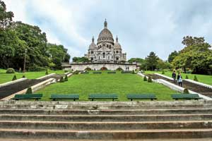 Холм Монмартр – наивысшая точка Парижа, на нем рассположена базилика Сакре-Кер. Именно с этого места очень удобно начинать прогулку по столице Франции.
