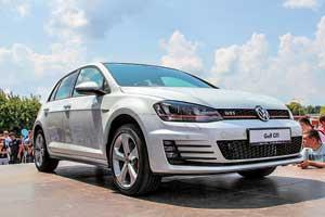 Новинку от Volkswagen – «горячую» версию Golf GTI – презентовали на центральной сцене феста. Бензиновый 2.0-литровый турбомотор мощностью 220 л. с. разгоняет автомобиль до «сотни» за 6,5 с.