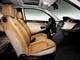 Lancia Ypsilon. О том, что это автомобиль класса «люкс», говорят роскошные кожаные сиденья.