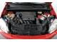 Ford Fiesta 1.4 – Ford Fusion 1.4. Капот в Fiesta открывается «по-модному» – при помощи выскакивающего «язычка», в Fusion – старым добрым рычажком. А вот моторы одинаковые – 1,4 л (80 л. с.).