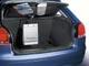 Audi A3. В багажном отделении новой Audi A3 появились сетка для мелкой поклажи и вешалка для сумок.