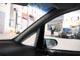 У некоторых вэнов и минивэнов передние стойки крыши вынесены далеко вперед, а для увеличения жесткости кузова стойки делают двойными или широкими. Все эти факторы ухудшают обзорность через лобовое стекло.