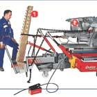Силовые стойки (1) позволяют вытягивать элементы кузова (2) под разными углами.