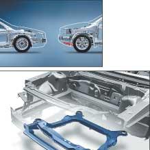 Volvo XC90 V8. В конструкции XC90 применен специальный подрамник, который при столкновении препятствует подныриванию легковушки под внедорожник.