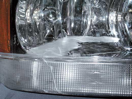 Склеенное стекло ухудшает светоотдачу.