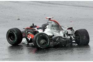 Вместе с машиной разбились и мечты Алонсо о третьем титуле. Или нет?..