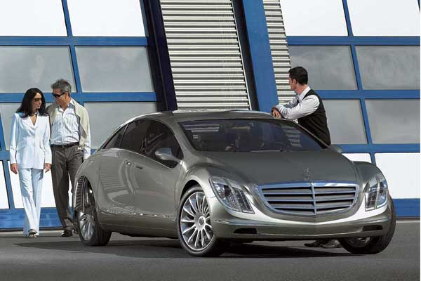 Mercedes-Benz со своим F700