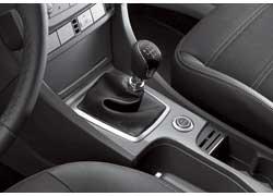С 2008 года станет доступна опционная кнопка запуска/выключения двигателя Ford Power (находится на консоли возле рычага КП).