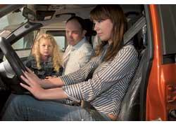 Рабочее место водителя должны опробовать все, кто будет ездить зарулем.