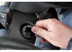 «Вялое» вращение стартера после ночной стоянки или непродолжительного включения «габаритов» снеработающим двигателем.