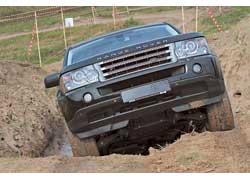 Компания «Виннер Автомотив», представляющая в Украине марку Land Rover, пригласила своих постоянных и потенциальных клиентов на настоящую офф-роадную трассу.