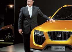 Новый шеф-дизайнер Seat Люк Донкервольке ранее занимал аналогичную должность в компании Lamborghini и имеет непосредственное отношение к созданию облика суперкаров Lamborghini Murcielago и Gallardo.