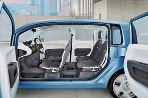 Volkswagen представил в Токио серийную версию самого маленького в модельной линейке автомобиля Space up!