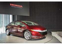 Honda FCX, работающий на на водородных топливных элементах