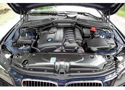 Применением прямого впрыска, электроусилителя руля, электропривода помпы и еще ряда хитростей удалось добиться феноменальной экономии топлива в 2,5-литровом моторе BMW.