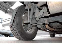 Слабое место подвески – втулки и стойки переднего и заднего стабилизаторов, работающие не более 30–50 и 60–70 тыс. км.