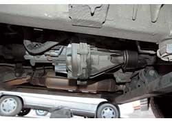 Pinin последних годов выпуска страдали от потери масла из «раздатки» из-за дефекта корпуса в районе заднего сальника.