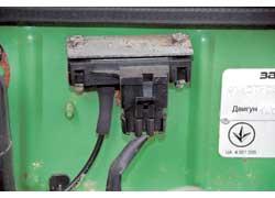 Провода должны быть плотно соединены, их жгуты закреплены далеко от вращающихся и горячих деталей.