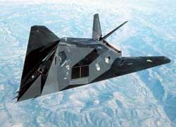 Бомбардировщик-невидимка F-117 Nighthawk стоит примерно в сто раз дороже своего сухопутного собрата.