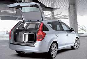 Гамма кузовов нового Kia состоит из базового пятидверного хэтчбека, трехдверного хэтчбека pro cee`d, а также универсала SW, которые выпускаются на словацком заводе Kia в городе Жилина.