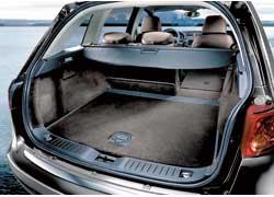 В походном состоянии объем багажного отсека составляет 500л, апри сложенных задних сидениях– 1610 л.