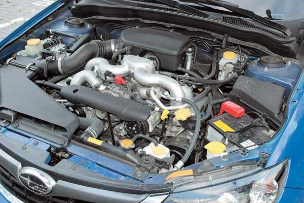 Снимаемые с 2,0-литрового мотора 150 л. с. – обычный показатель для машин гольф-класса. А вот сам двигатель «Имрезы» нетипичен – это оппозитный Boxer.