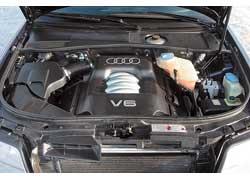V6 «грешат» течью масла из-под клапанной крышки и переднего сальника коленвала, выходом из строя высо- ковольтных проводов и катушек зажигания.
