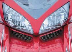 Оптика и кузовные детали стоят, как у многих иномарок. Так, цена переднего обтекателя может доходить до $800.