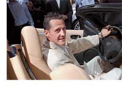 Выходка семикратного чемпиона мира в гонках Формула-1 Михаэля Шумахера в стиле известного фильма «Такси» очень не понравилась немецким полицейским.