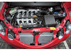 Мотор 1,3 л любит высокие обороты. Именно на «верхах» чувствуется его сила.