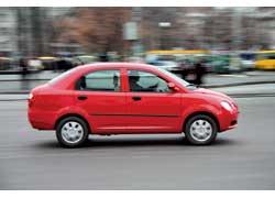 Ездить на Jaggi лучше не слишком быстро: пустой руль и тугие тормоза в экстремальной ситуации могут сыграть с водителем злую шутку.