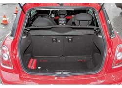 Двигатель нового Mini Cooper эластичен и хорошо «ладит» с 6-ступенчатой АКП.