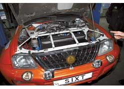 Для достижения оптимальной развесовки мотор задвинут максимально за переднюю ось.
