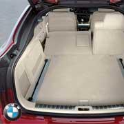 BMW X6. Самый большой багажник уAcura(815 л), a самый маленький– у Infiniti (476 л).