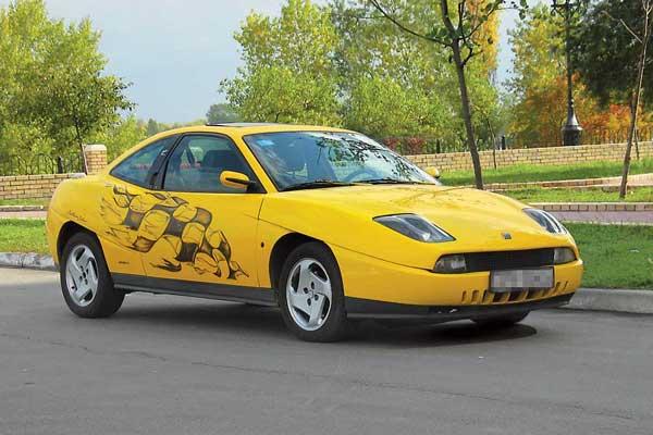 Одна из самых известных работ американца – переднеприводный спортивный Fiat Coupe, который выпускался с 1994 по 2000 год и даже сейчас не выглядит устаревшим.