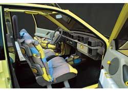 Одна из первых серьезных работ Криса Бэнгла – интерьер компактного концепт-кара Opel Junior (1983 год).