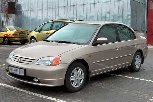 Honda Civic 2001–2005 г. в. от $12300	до $18600
