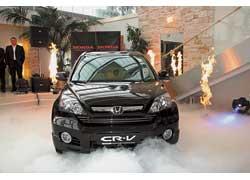 Компания Honda официально презентовала на украинском рынке внедорожник CR-V с бензиновым мотором i-VTEC объемом 2,4 л.